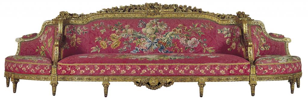 """Jean-Nicolas Blanchard, Barthélémy Mamés Rascalon, """"Canapé com assentos de canto"""", 1784. Nogueira e faia douradas e folha de ouro; tapeçaria dos Gobelins. Coleção do Fundador"""