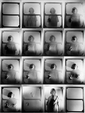 """Helena Almeida, """"Tela Habitada"""", 1976. Fotografias montadas sobre cartão colado em aparite. Coleção Moderna"""