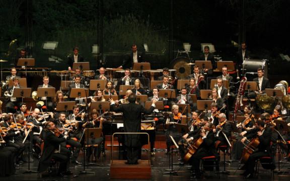Orquestra Gulbenkian e Leo Hussain
