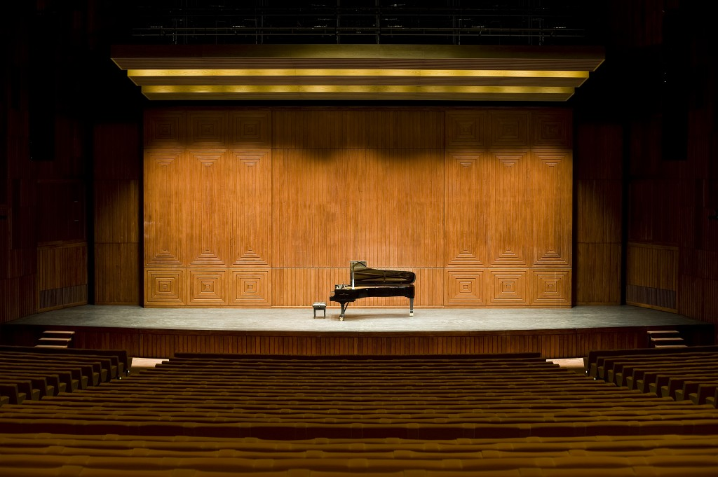 GA - Palco elevador 2 subido versão recital piano